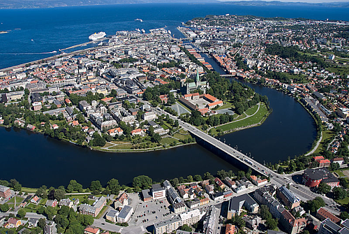 png-500-Overview_of_Trondheim_2008_03