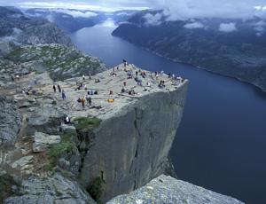 die Felskanzel des Prekestolen am Lysefjord (Copyright visit norway)