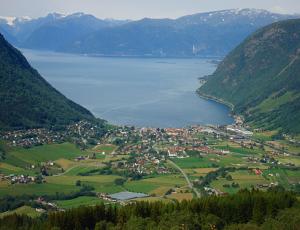 der Sognefjord, der mit 204 km längste Fjord