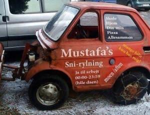 Mustafa`s Schneeräumdienst in Olderfjord in Nord-Norwegen.