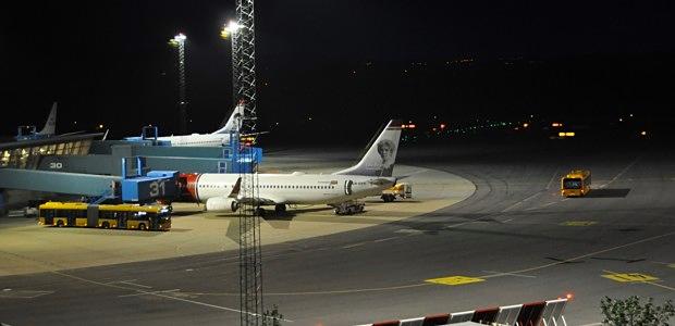 Flugzeug Flughafen Norwegian