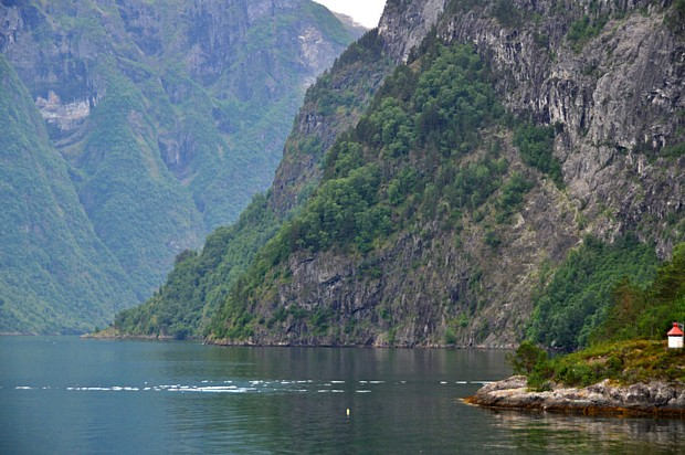 Naeroeyfjord