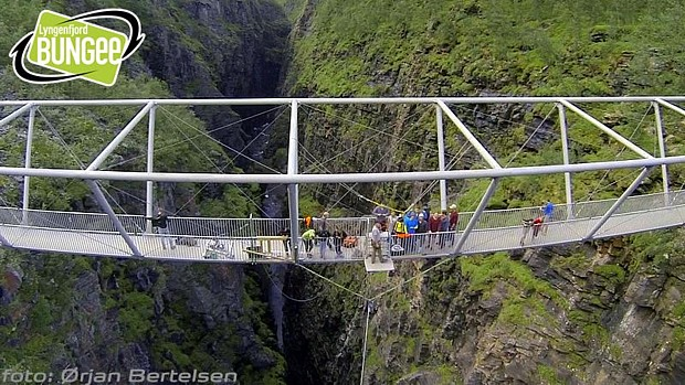 Bungee Norwegen Foto Oerjan Bertelsen Lyngenfjord Bungee