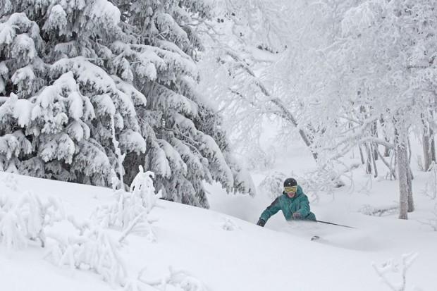 Hemsedal Skifahren in Schnee und Kaelte