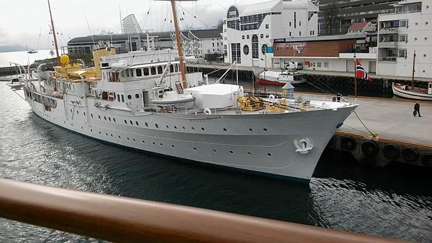 """""""Norge"""" Koenigliches Schiff in Molde (c) Hanne Wilden"""