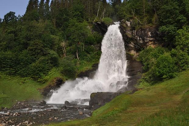 Steindalsfossen Wasserfall