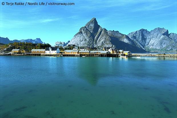 Lofoten (c) Terje Rakke Nordic Life Visit Norway