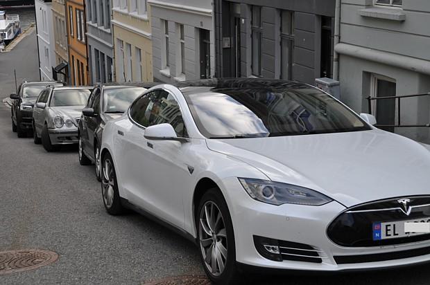 Tesla Elektroauto Elbil