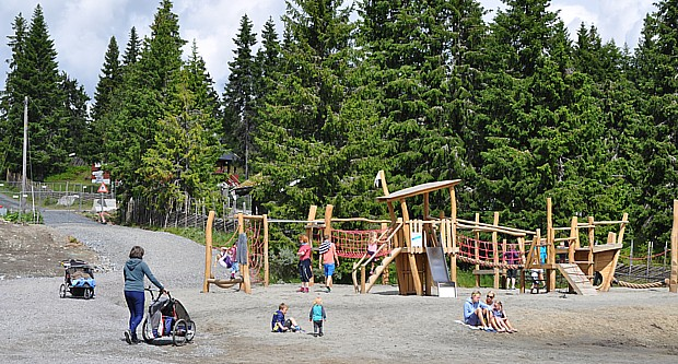 Spielplatz Kinder Kinderwagen