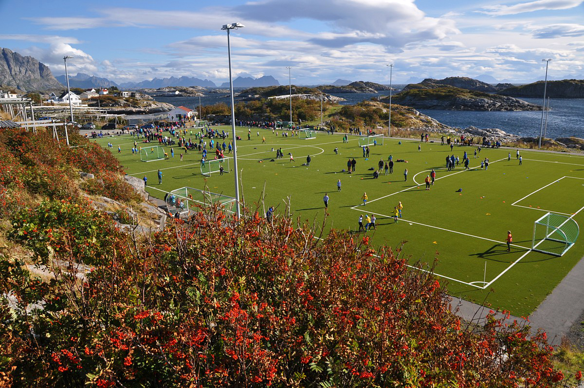 Henningsvaer Und Der Schonste Sportplatz Der Welt Iii