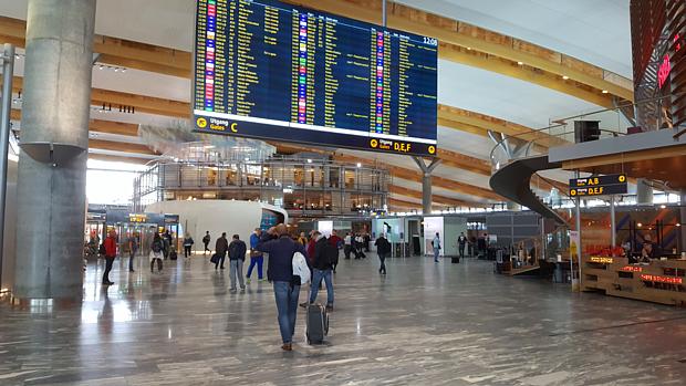Flugplatz Anreise Fliegen Gepäck