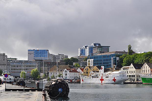 Stavanger Schiff Rotes kreuz Öl Hochhaus Politik Verwaltung