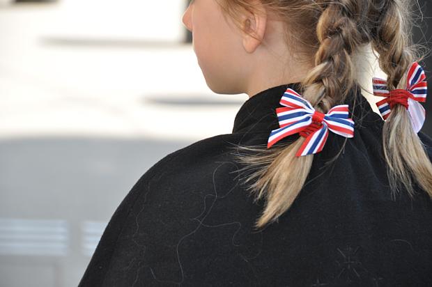 17 Mai Kinder Zopf Flagge Schmuck