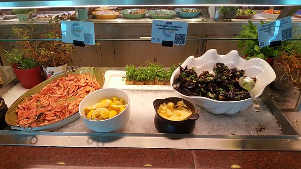 Buffet Essen Garnelen Muscheln Faehre