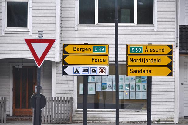 Norwegisch Wörter Wegweiser Straße Verkehr