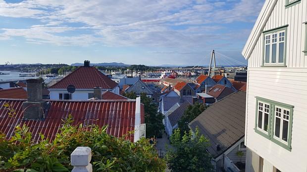 Stavanger Daecher Haeuser Blick Panorama Bruecke