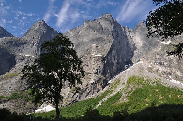 Trollveggen im Sonnenschein, Berge