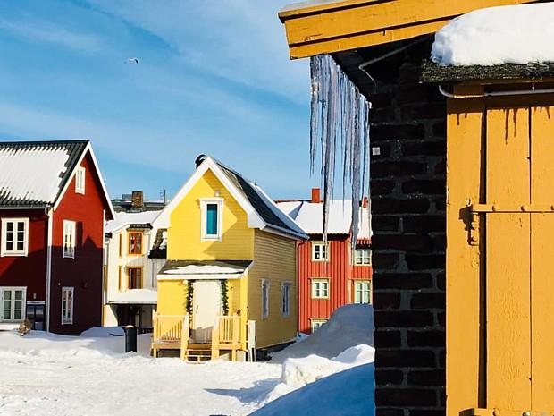 Tromsoe bunte Haeuser Copyright Saskia sehmisch